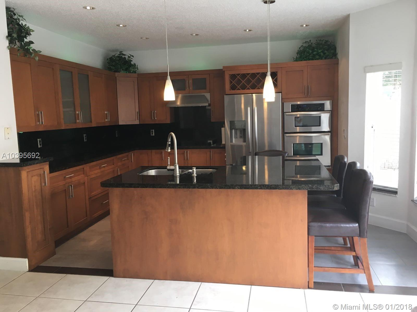 11319 Nw 58th Ter, Doral FL, 33178
