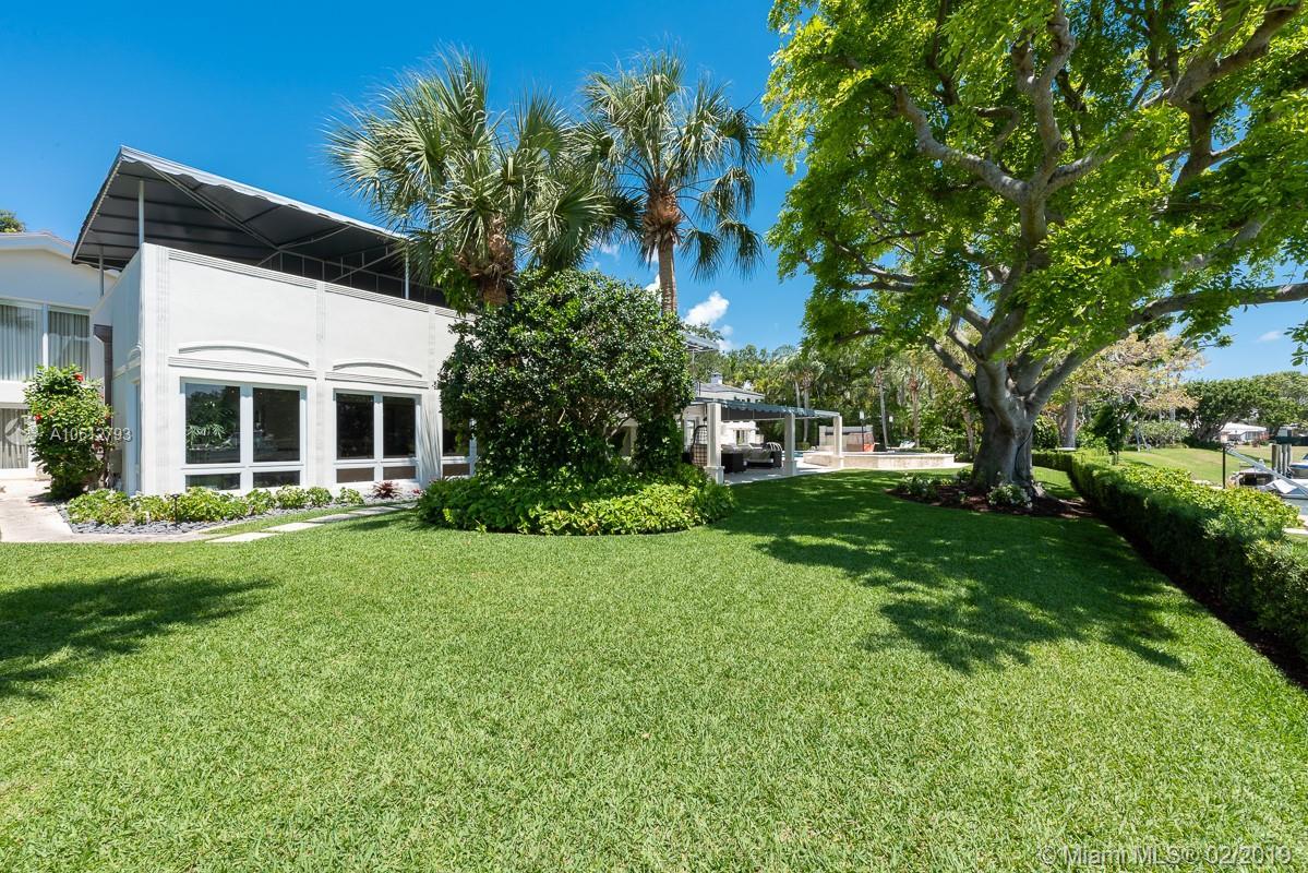 4511 Lake Rd, Miami, FL 33137