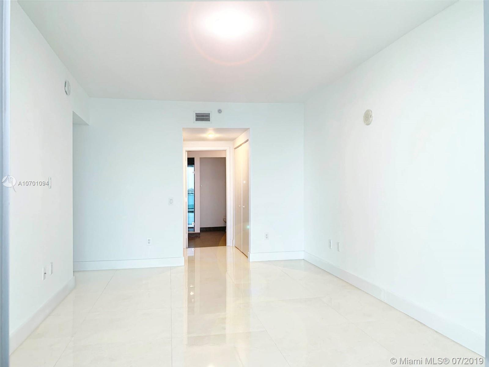 7935 East dr-804 north-bay-village-fl-33141-a10701094-Pic14