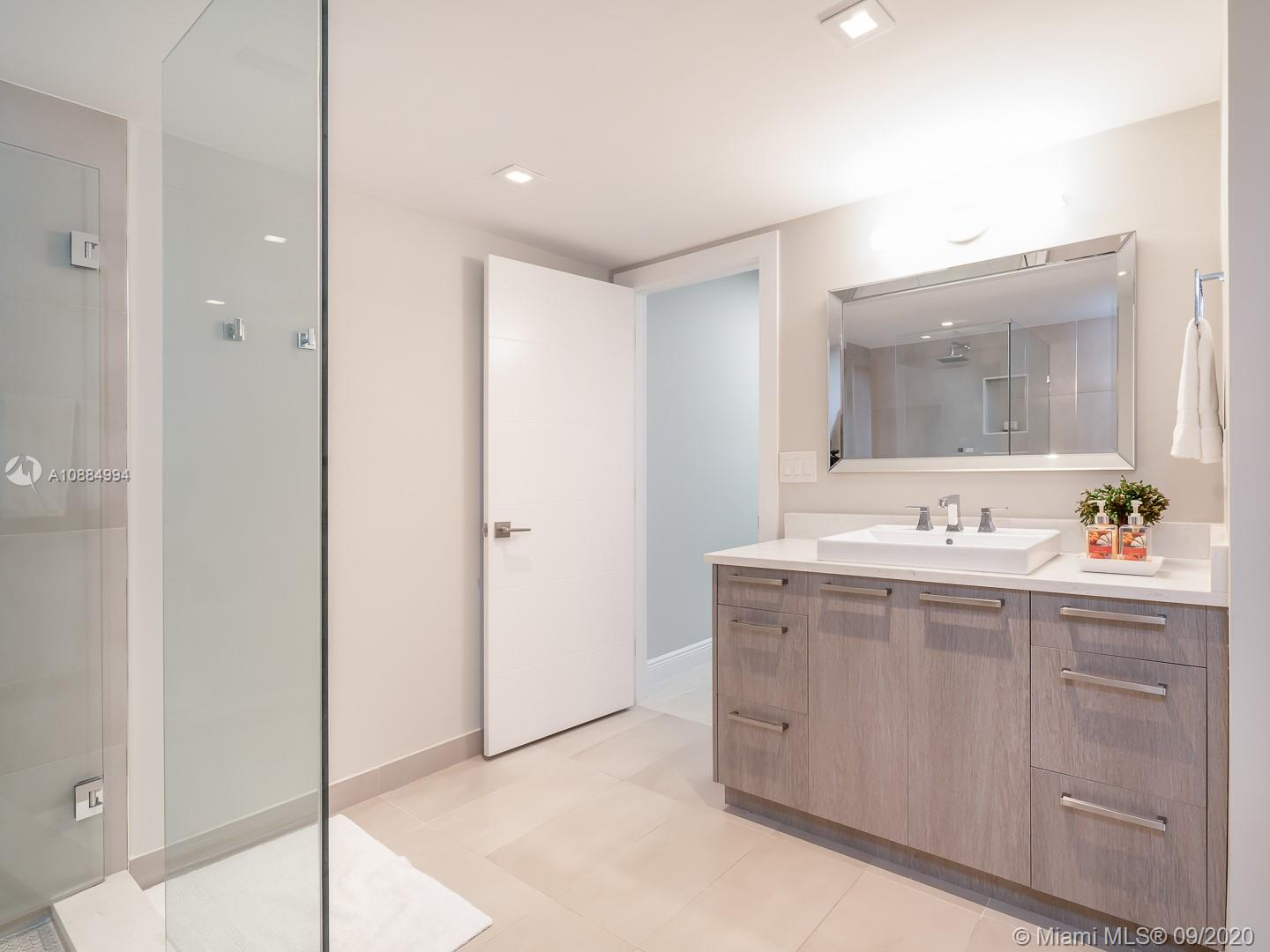 10155 Collins ave-1106 bal-harbour-fl-33154-a10884994-Pic18