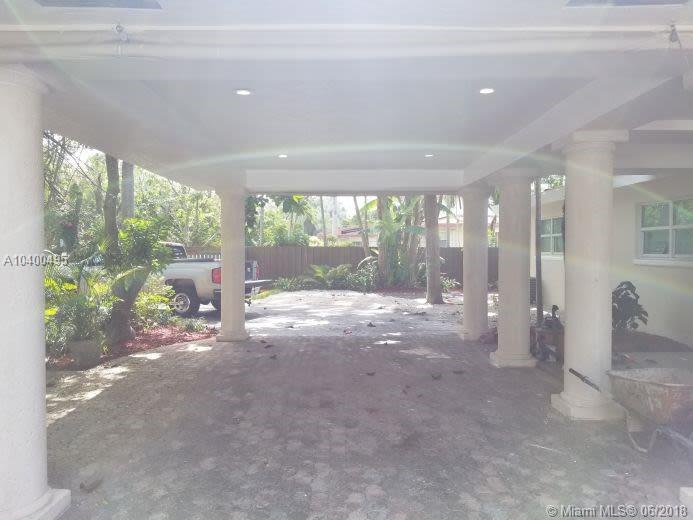 8010 SW 132nd St, Pinecrest , FL 33156