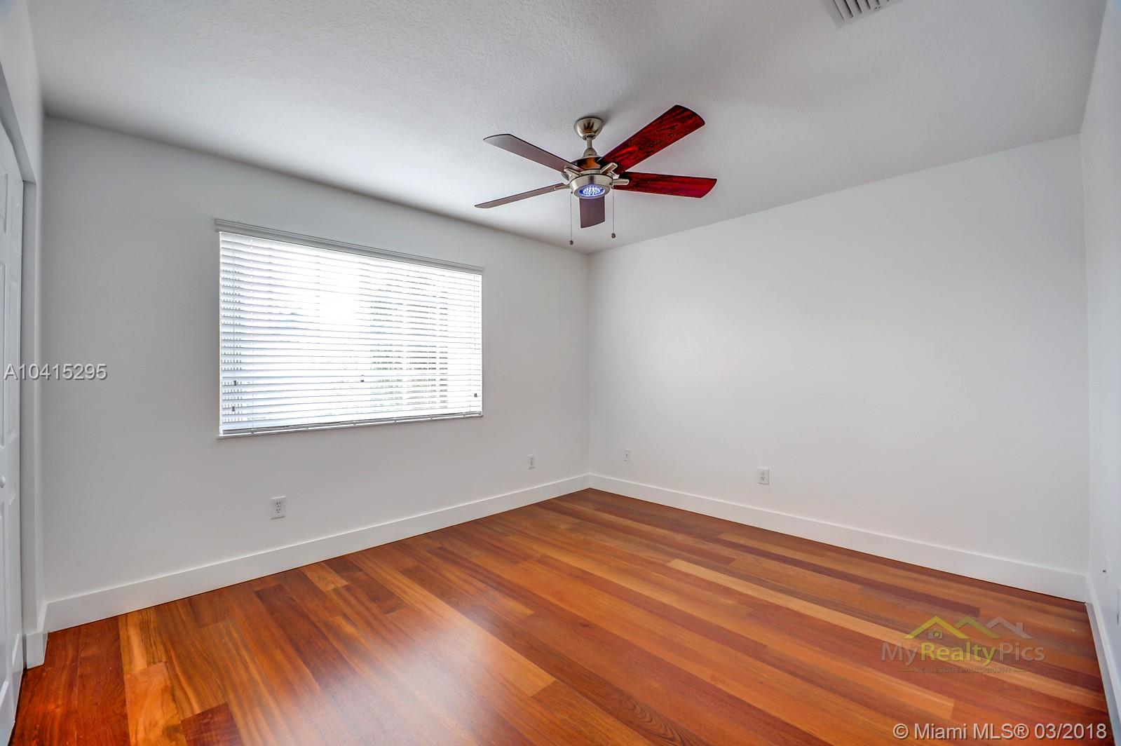 11119 Nw 70th Street, Doral FL, 33178