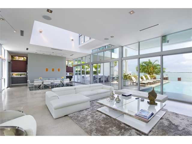 1401 Venetian Wy, Miami FL, 33139