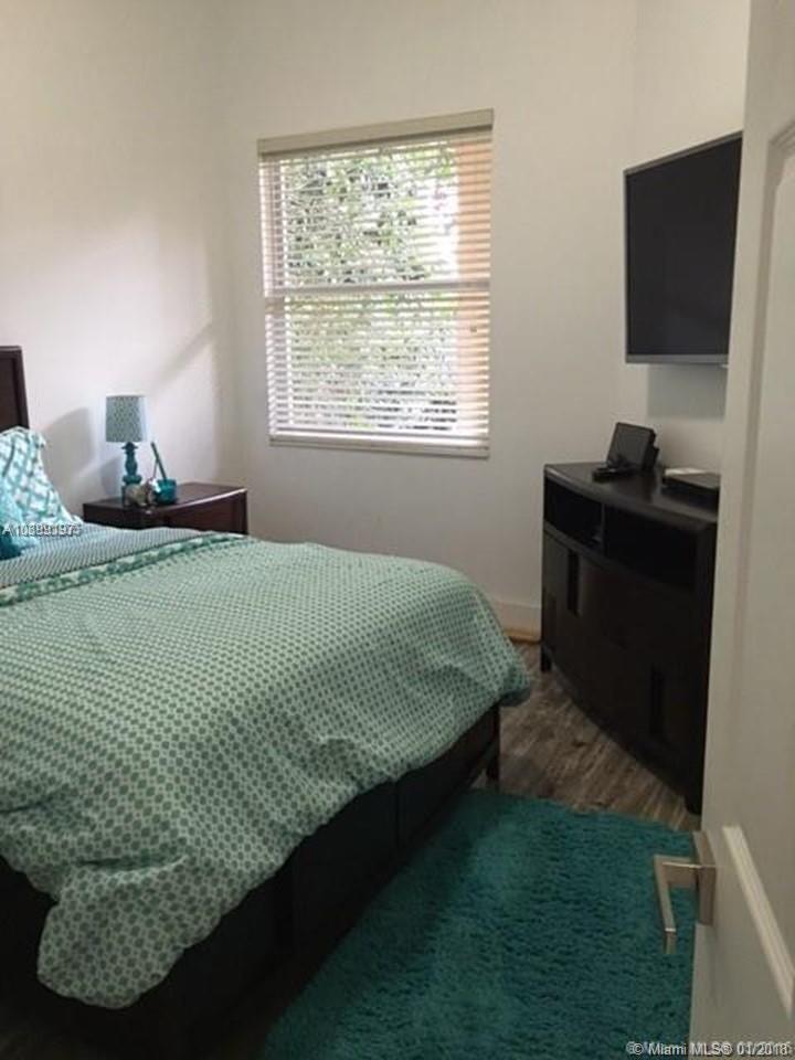 2506 Bay Isle Dr, Weston , FL 33327