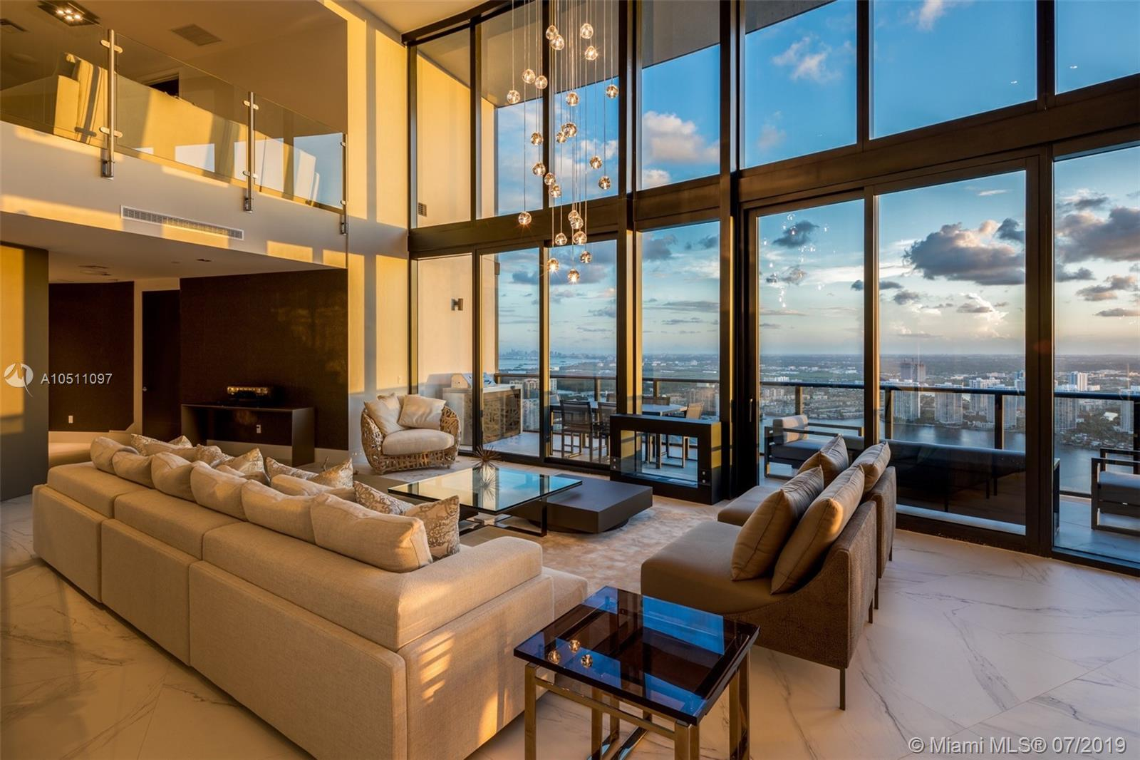 18555 Collins ave-5403 sunny-isles-beach-fl-33160-a10511097-Pic01