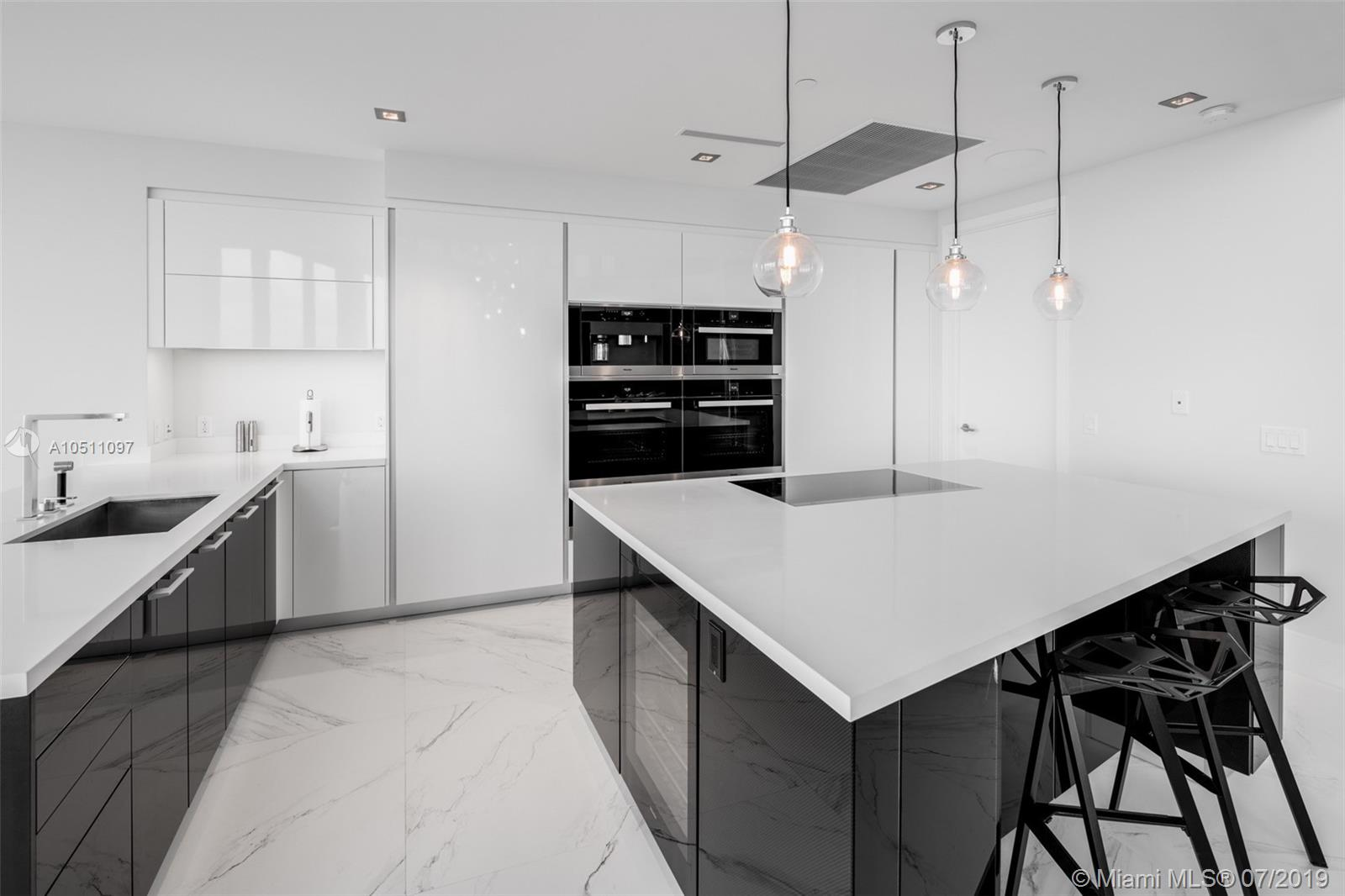 18555 Collins ave-5403 sunny-isles-beach-fl-33160-a10511097-Pic10