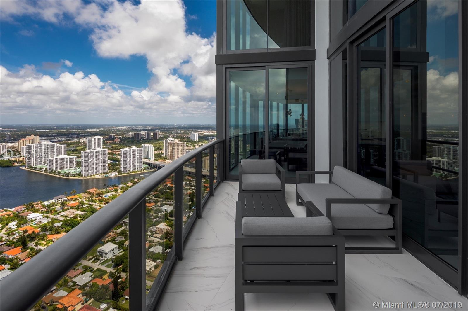 18555 Collins ave-5403 sunny-isles-beach-fl-33160-a10511097-Pic33